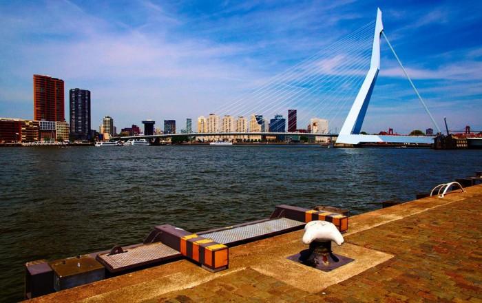 Мост Эразма в Роттердаме, фото Moyan Brenn