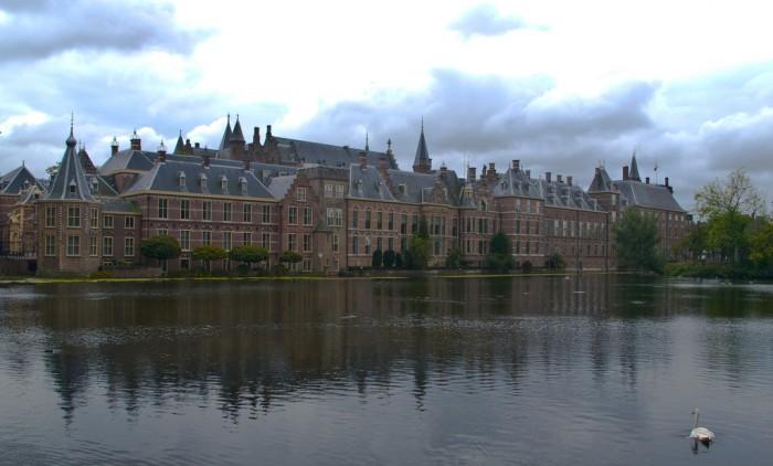 Бинненхоф, резиденция парламента и премьер-министра Нидерландов, фото Ferdi de Gier