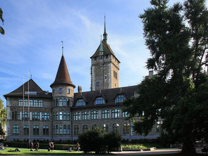 Здание Швейцарского национального музея