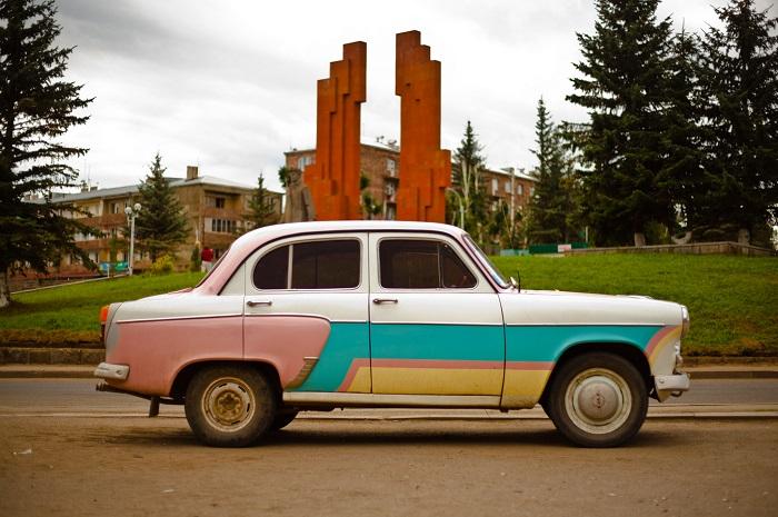 Путешествие на автомобиле, фото Beyond Borders Media