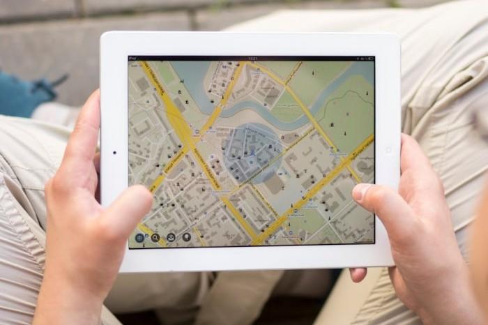 MapsWithMe, передвижения и карты местности