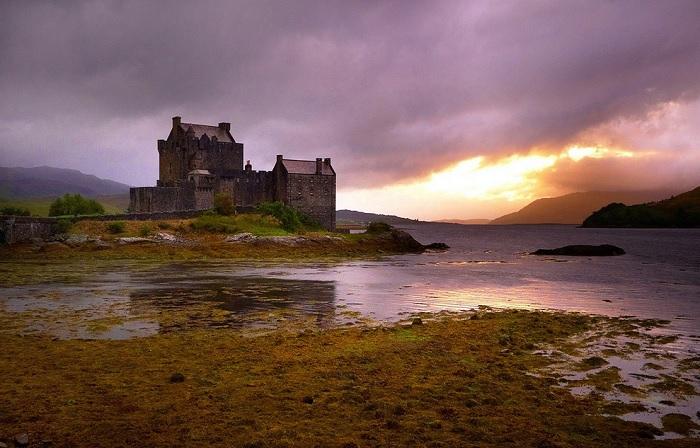 Замок в Шотландии, фото Moyan Brenn