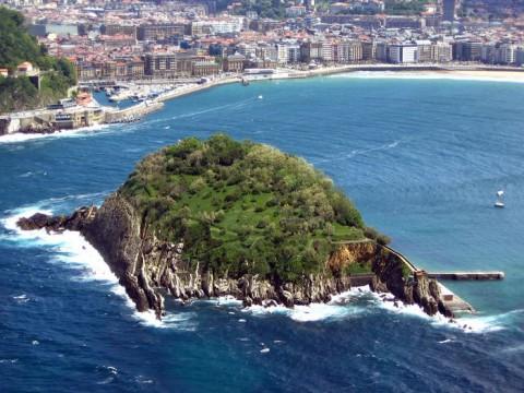 Вид на Сан-Себастьян со стороны моря, фото Sarej