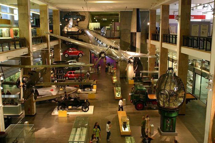 Внутри музея науки и техники, фото Sue Wallace