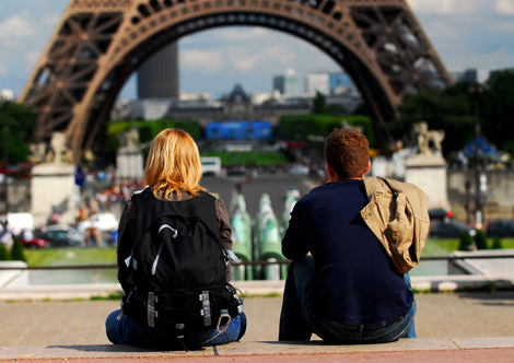 tourists-in-paris