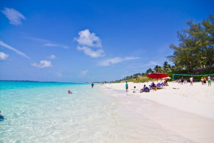 Парадайз пляж на Багамских Островах