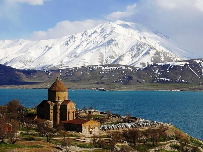 http://travel.biletyplus.ru/wp-content/uploads/2015/05/armenia-700x525.jpg
