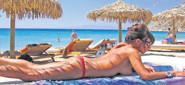 Нудистские пляжи Греции